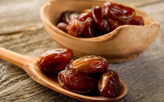 Use dates in the morning on an empty stomach in winter, you will get these benefits!