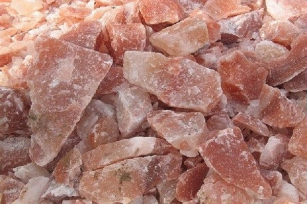 #HEALTH: Is black salt much healthier than white salt?