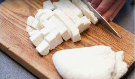 Know why we should include cheese in our diet and what are its side effects