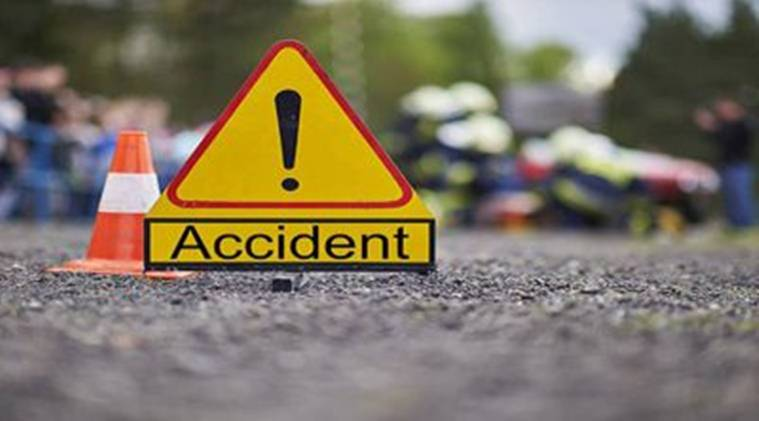 #BREAKING: Big accident in UP, truck crushed people sleeping on the highway
