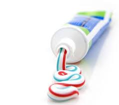 टूथपेस्ट से चमक जाएगी जली कड़ाही या पैन, जाने तरीका