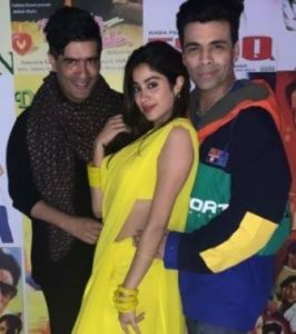 #Jahnavi lit up at Karan Johar's 90s theme party