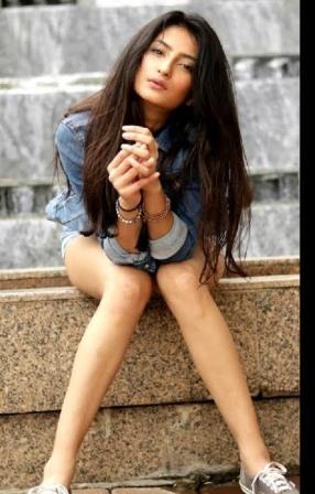 Shweta Tiwari's daughter Palak is glamorous, photos