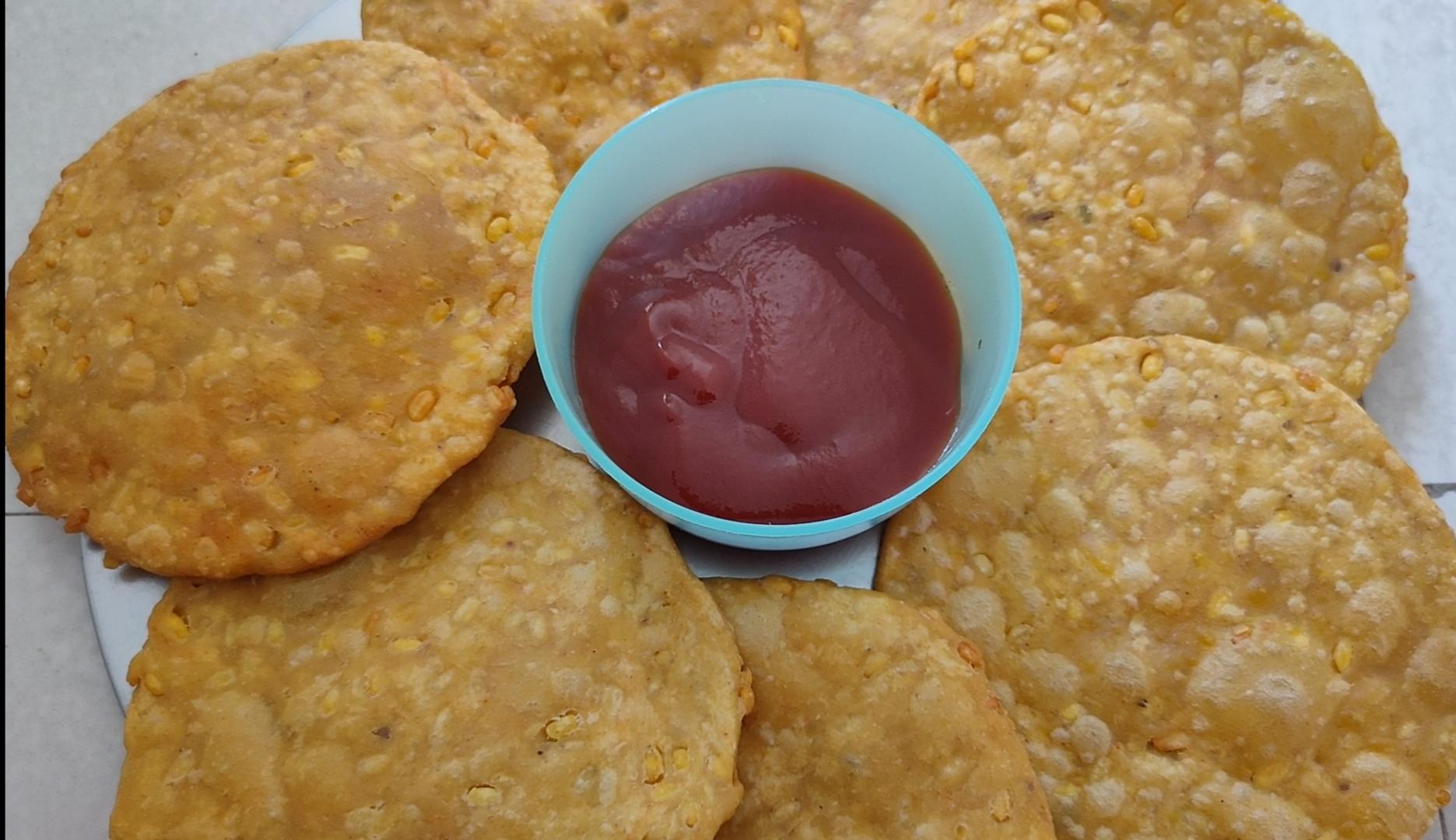 #FOOD: Crunchy Moong Dal flour # Mathri