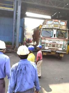 Renukoot: Four injured, one dead in cylinder burst in #Hindalco