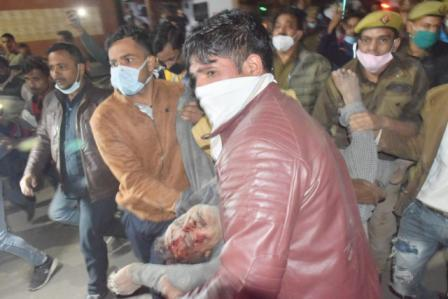 KANPUR: Building collapses in Kuli Bazaar