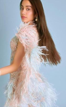 Jahnavi Kapoor showered in transparent dress, see photos ...