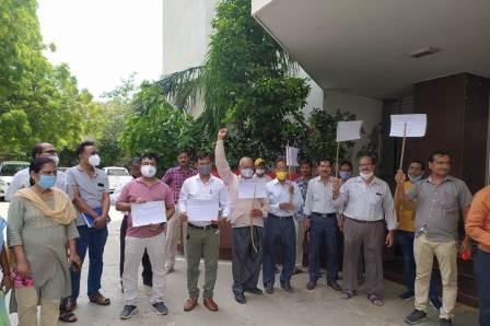 #KANPURNEWS : Protest against not giving 4G spectrum