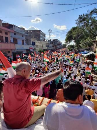 in front of BJP Ram, Knife beside - Manish Sisodia